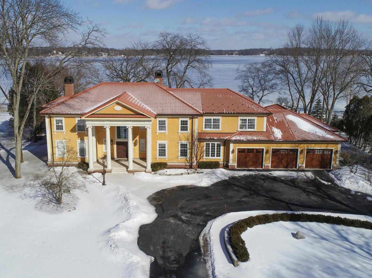 36234 Beach Rd, Oconomowoc Lake, Wisconsin 53066, 4 Bedrooms Bedrooms, 18 Rooms Rooms,4 BathroomsBathrooms,Single-Family,For Sale,Beach Rd,1655207