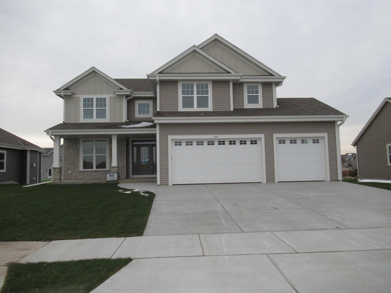 1400 Rosewood Pass, Oconomowoc, Wisconsin 53066, 4 Bedrooms Bedrooms, 10 Rooms Rooms,2 BathroomsBathrooms,Single-Family,For Sale,Rosewood Pass,1664932