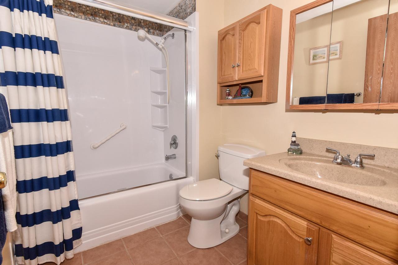 2008 Woodburn Rd, Waukesha, Wisconsin 53188, 2 Bedrooms Bedrooms, 4 Rooms Rooms,1 BathroomBathrooms,Condominiums,For Sale,Woodburn Rd,1,1667007