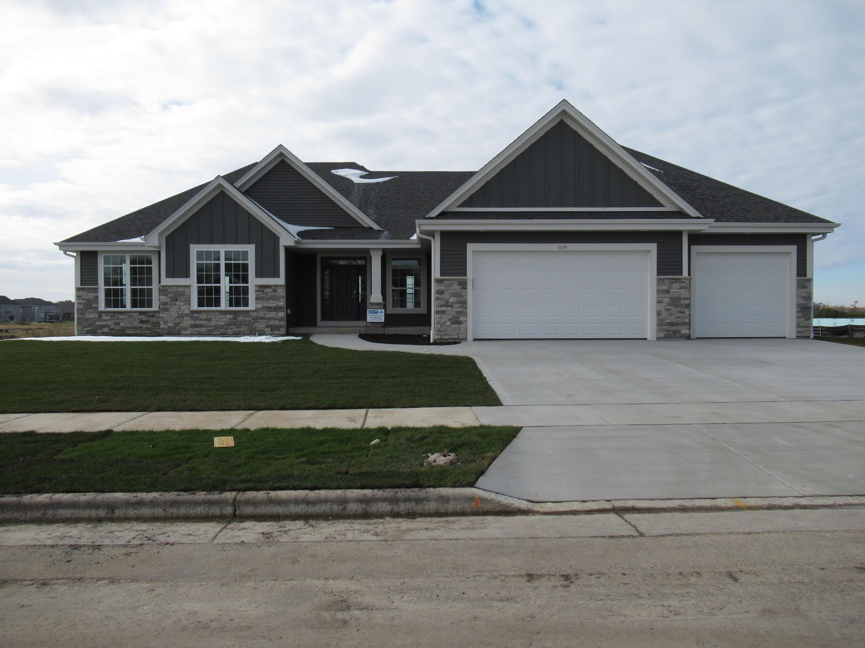 1530 Miller Ct, Oconomowoc, Wisconsin 53066, 3 Bedrooms Bedrooms, 8 Rooms Rooms,2 BathroomsBathrooms,Single-Family,For Sale,Miller Ct,1665575