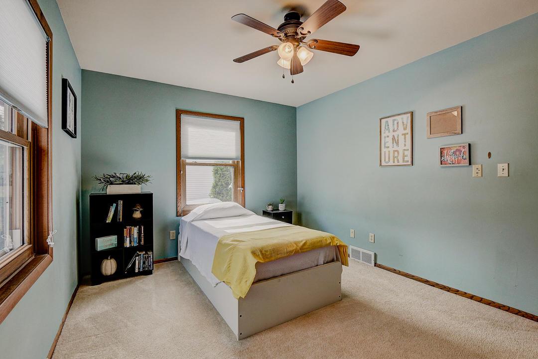1519 Cherrywood Dr, Waukesha, Wisconsin 53188, 3 Bedrooms Bedrooms, 5 Rooms Rooms,2 BathroomsBathrooms,Single-Family,For Sale,Cherrywood Dr,1667551