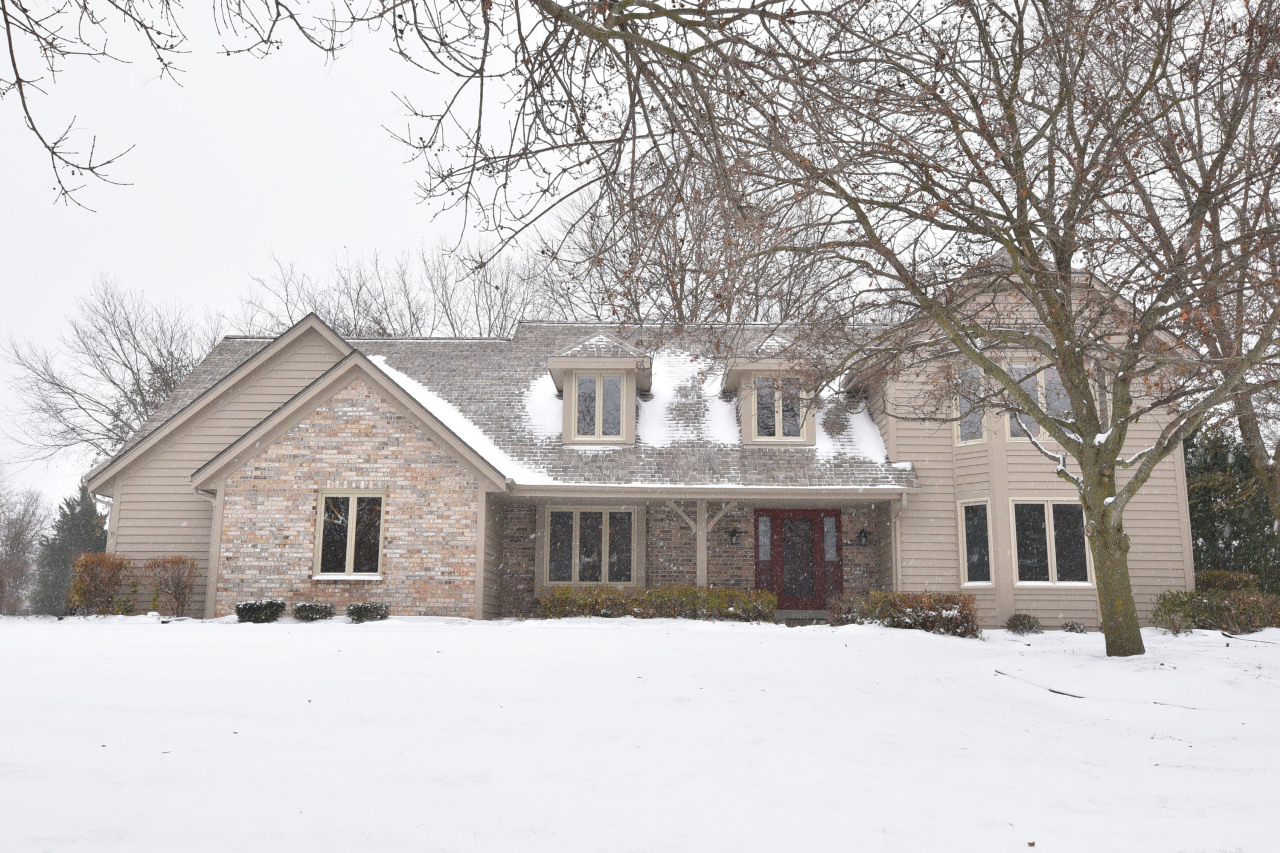 17475 St James Rd, Brookfield, Wisconsin 53045, 5 Bedrooms Bedrooms, ,3 BathroomsBathrooms,Single-Family,For Sale,St James Rd,1665811