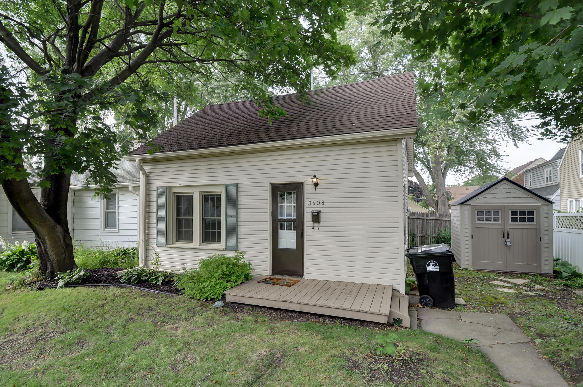 3510 Haven Ave, Racine, Wisconsin 53405, 3 Bedrooms Bedrooms, 6 Rooms Rooms,1 BathroomBathrooms,Single-Family,For Sale,Haven Ave,1667786