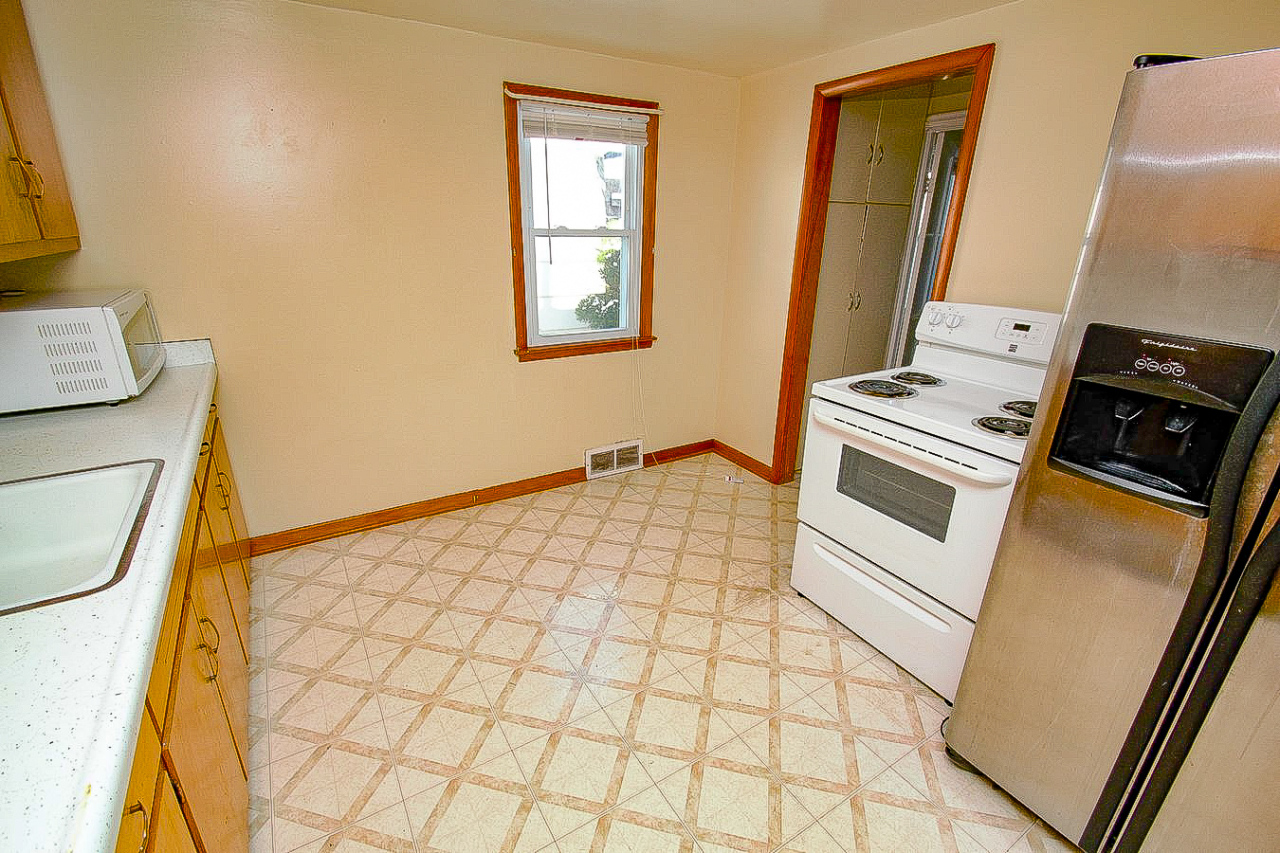 3529 97th St, Milwaukee, Wisconsin 53222, 2 Bedrooms Bedrooms, 4 Rooms Rooms,1 BathroomBathrooms,Single-Family,For Sale,97th St,1667747