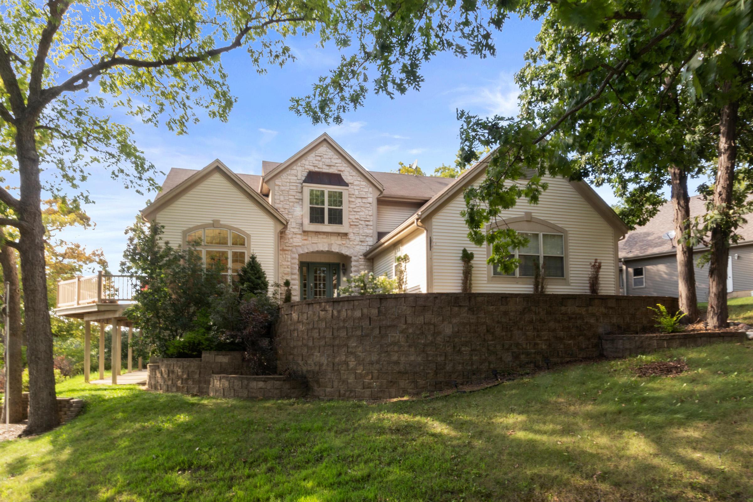 W5619 West Shore Dr, La Grange, Wisconsin 53121, 5 Bedrooms Bedrooms, 12 Rooms Rooms,4 BathroomsBathrooms,Single-Family,For Sale,West Shore Dr,1667767