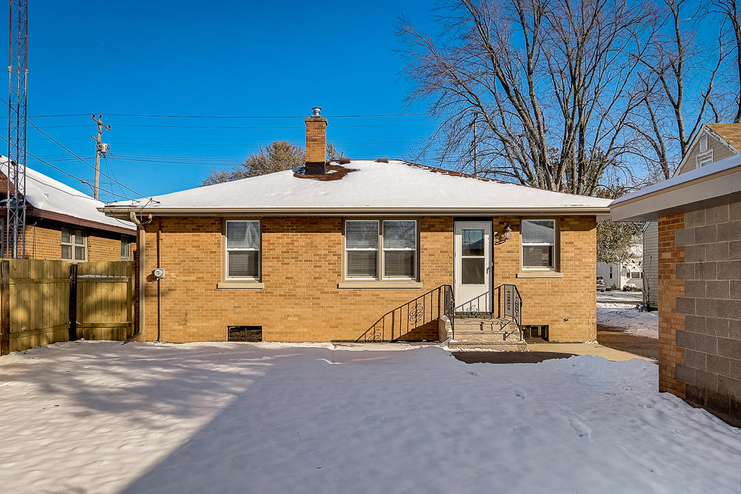 7702 30th Ave, Kenosha, Wisconsin 53142, 3 Bedrooms Bedrooms, 5 Rooms Rooms,1 BathroomBathrooms,Single-Family,For Sale,30th Ave,1667791