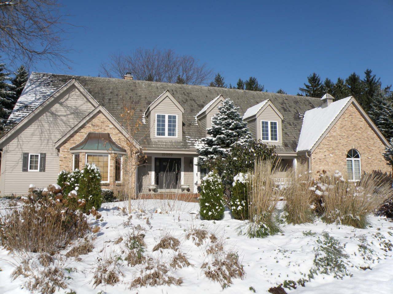 19090 Still Point Trl, Brookfield, Wisconsin 53045, 4 Bedrooms Bedrooms, 11 Rooms Rooms,4 BathroomsBathrooms,Single-Family,For Sale,Still Point Trl,1659521