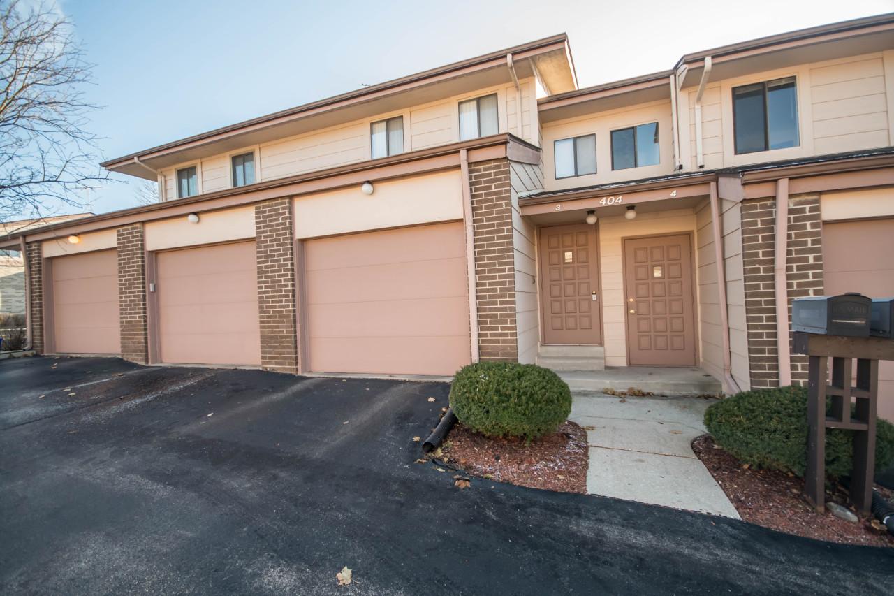 404 Sheffield Rd, Waukesha, Wisconsin 53186, 1 Bedroom Bedrooms, ,1 BathroomBathrooms,Condominiums,For Sale,Sheffield Rd,2,1669397