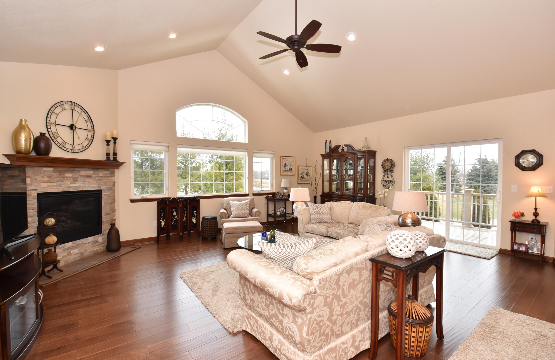 2409 Deercrest Ct, Waukesha, Wisconsin 53188, 2 Bedrooms Bedrooms, ,2 BathroomsBathrooms,Condominiums,For Sale,Deercrest Ct,1,1671846