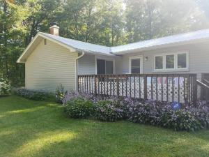 W2340 Twin Pine Ln, Porterfield, WI 54159