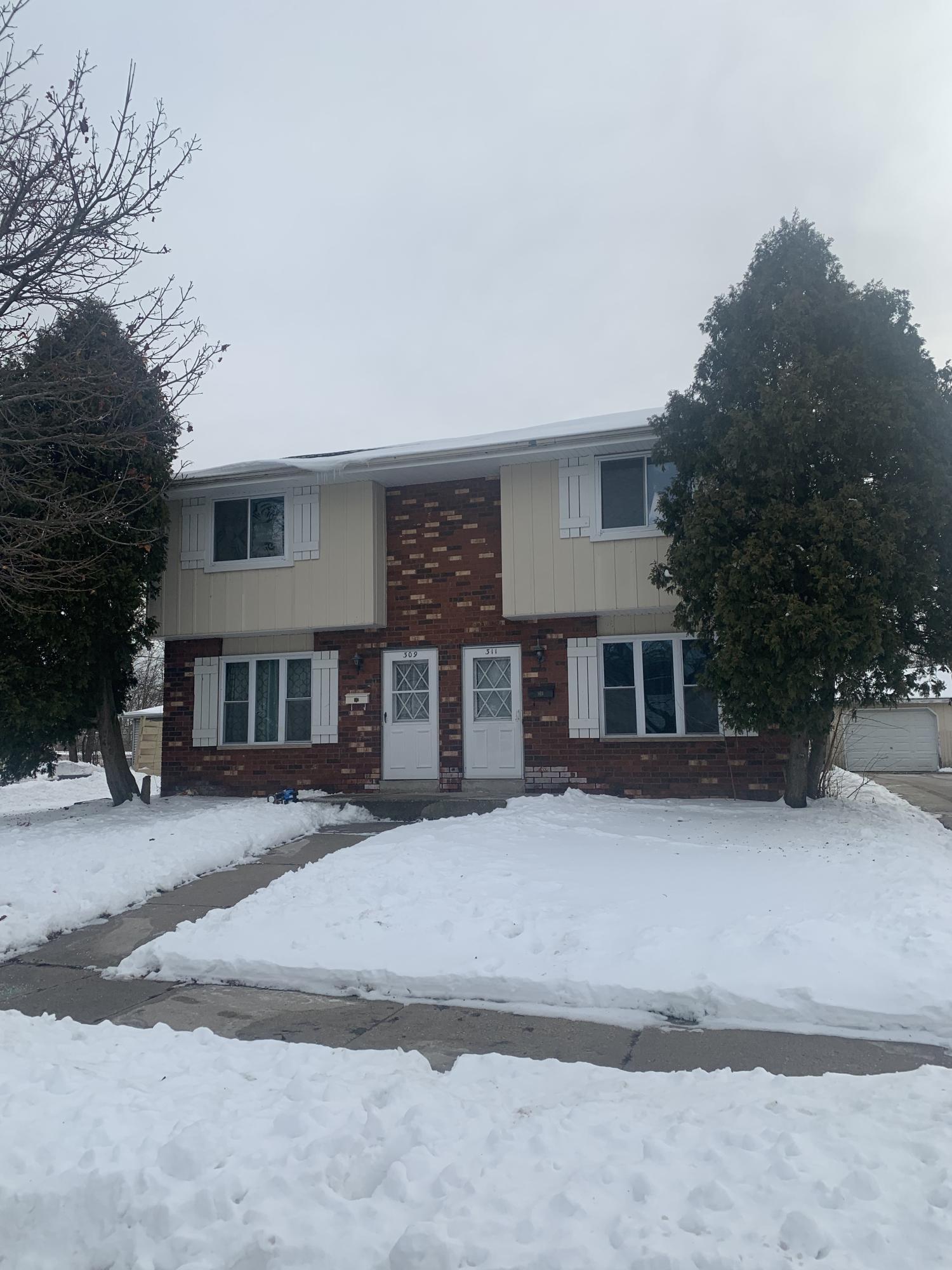 309 Darlene Dr, Waukesha, Wisconsin 53189, 3 Bedrooms Bedrooms, 6 Rooms Rooms,1 BathroomBathrooms,Two-Family,For Sale,Darlene Dr,1,1674019