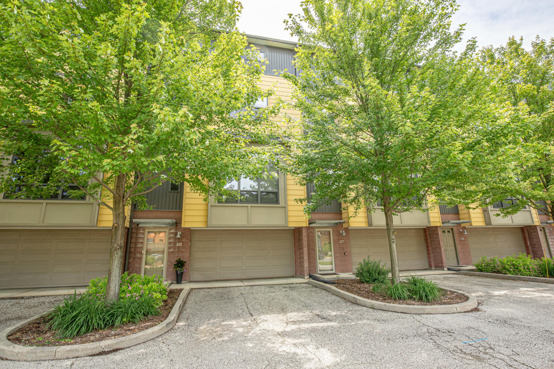 325 Mill Reserve Dr, Waukesha, Wisconsin 53188, 2 Bedrooms Bedrooms, ,2 BathroomsBathrooms,Condominiums,For Sale,Mill Reserve Dr,3,1674954