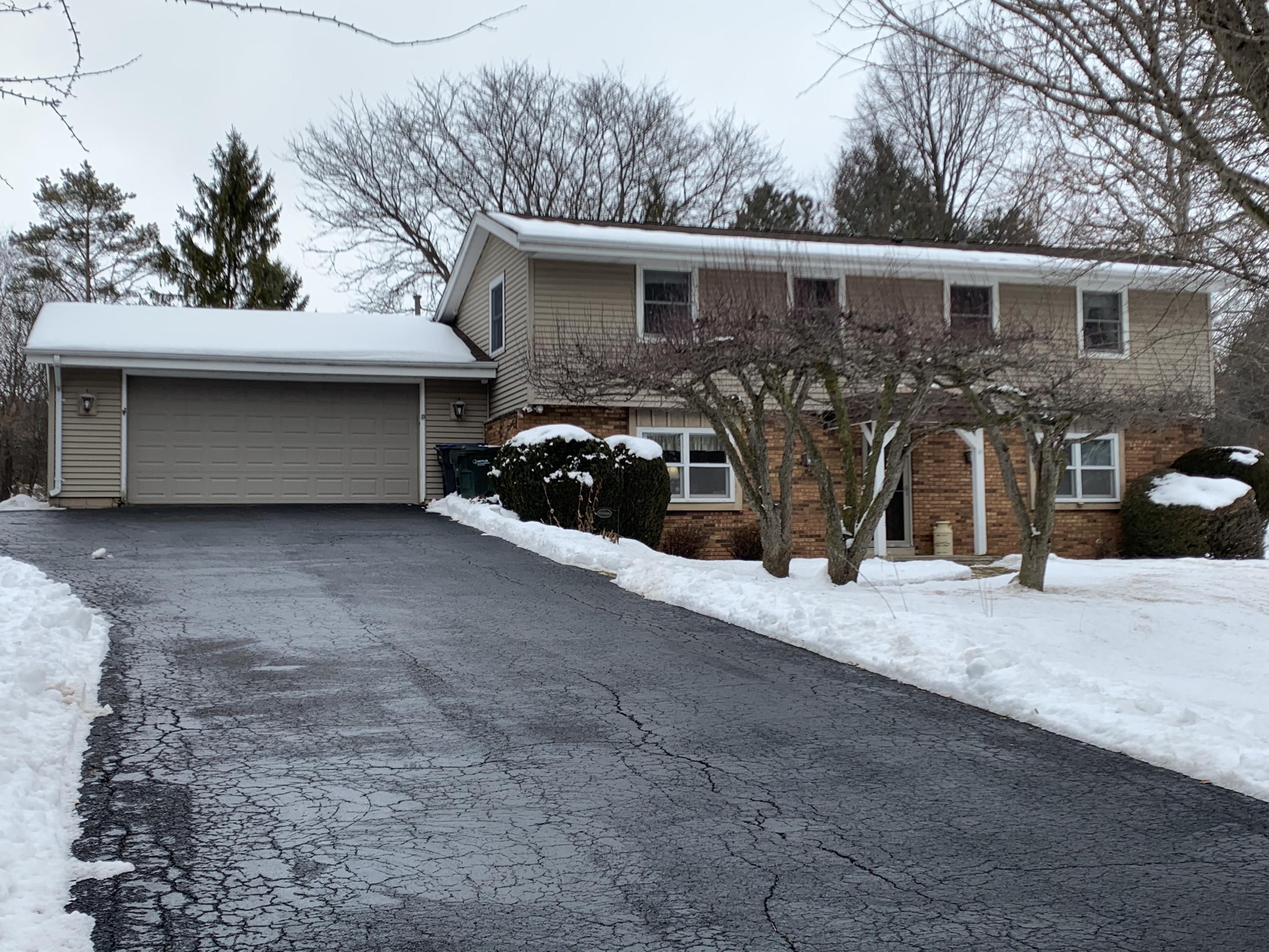 S40W27134 Stonegate Rd, Waukesha, Wisconsin 53189, 4 Bedrooms Bedrooms, ,1 BathroomBathrooms,Single-Family,For Sale,Stonegate Rd,1675207