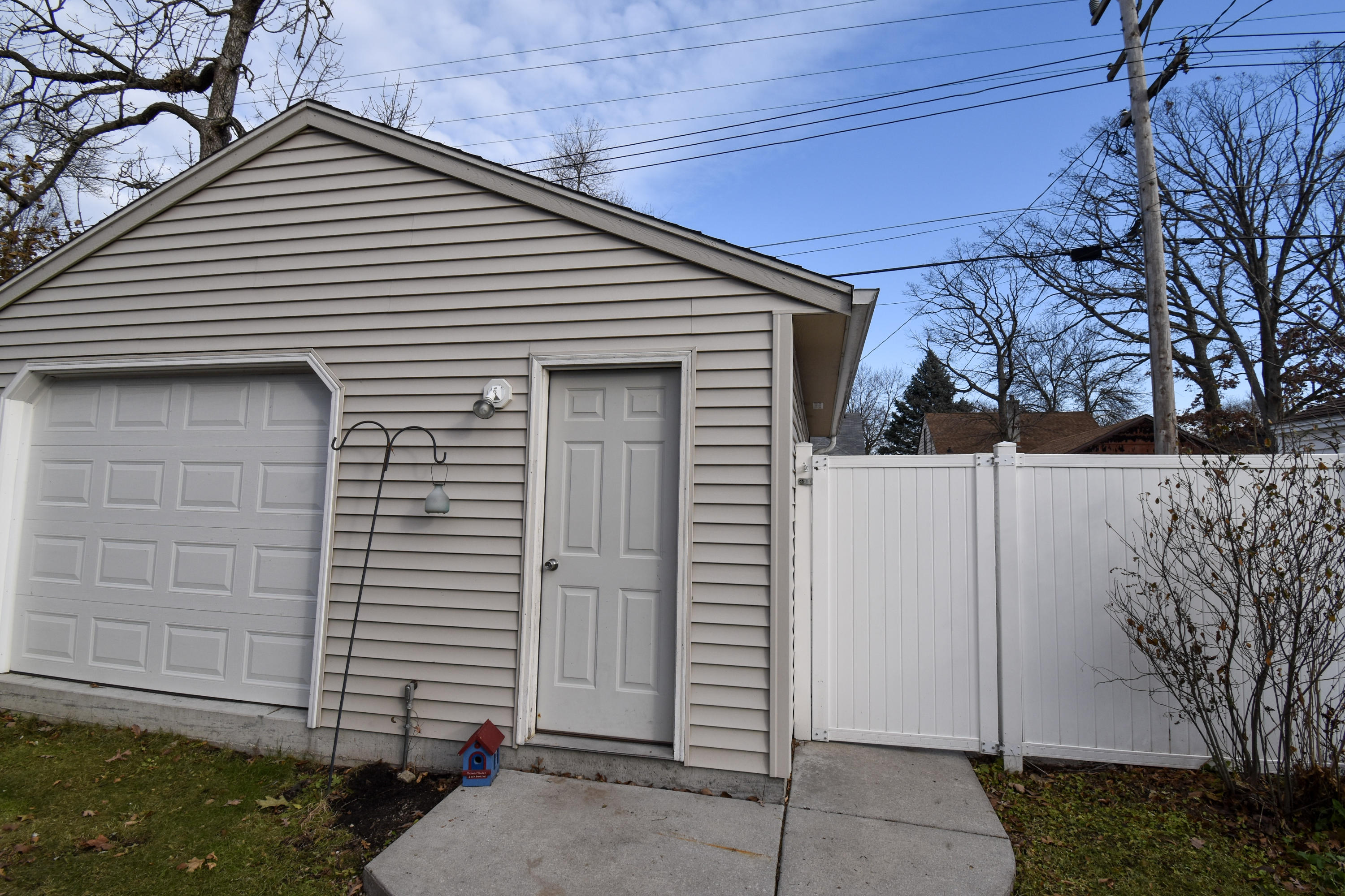 3212 92ND ST, Milwaukee, Wisconsin 53222, 3 Bedrooms Bedrooms, 5 Rooms Rooms,1 BathroomBathrooms,Single-Family,For Sale,92ND ST,1677021