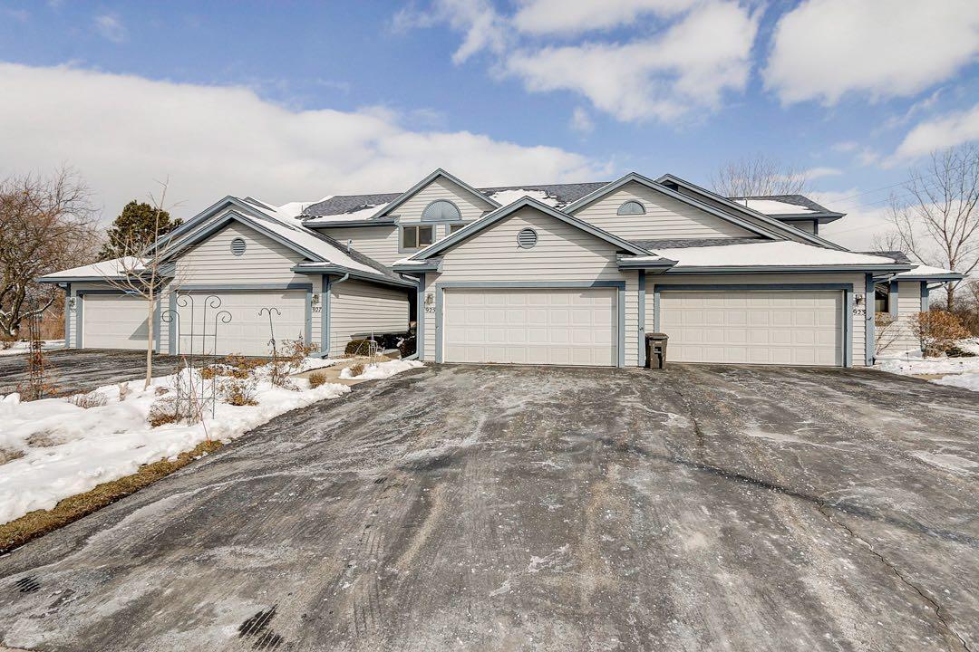 925 Bay View Cir, Mukwonago, Wisconsin 53149, 2 Bedrooms Bedrooms, 7 Rooms Rooms,2 BathroomsBathrooms,Condominiums,For Sale,Bay View Cir,1,1676898