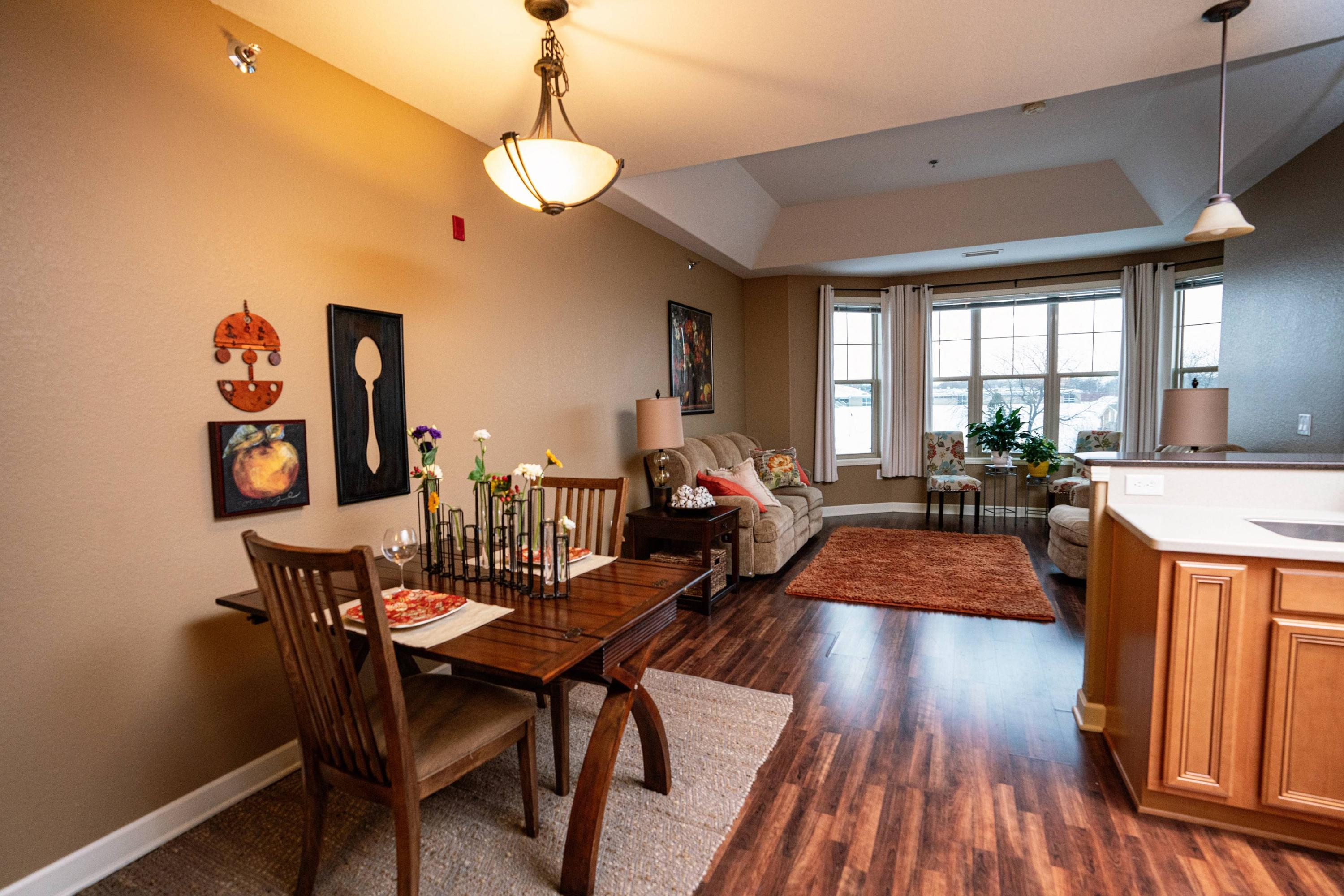 4130 Lake Dr., Saint Francis, Wisconsin 53235, 1 Bedroom Bedrooms, ,1 BathroomBathrooms,Condominiums,For Sale,Lake Dr.,4,1676876