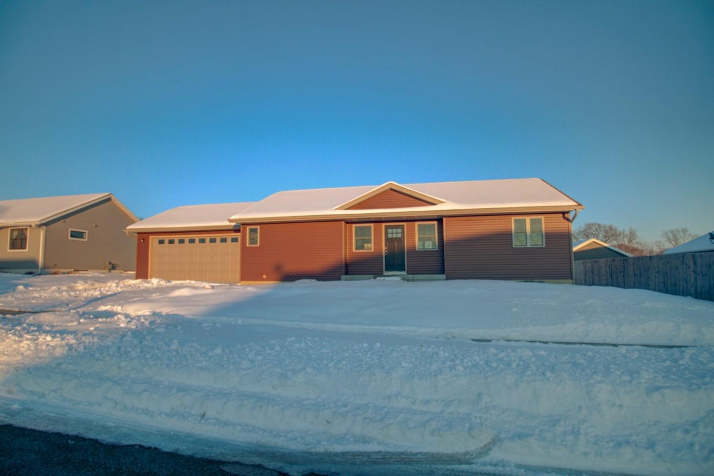 11593 Monteville Ct, Trempealeau, Wisconsin 54661, 4 Bedrooms Bedrooms, ,4 BathroomsBathrooms,Single-Family,For Sale,Monteville Ct,1677035