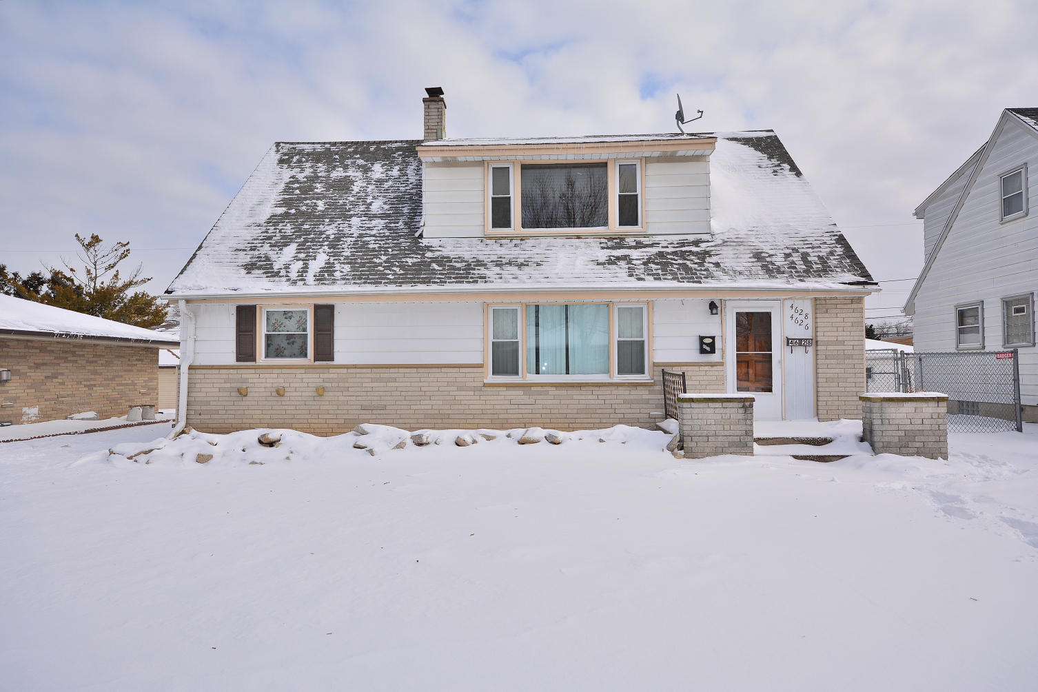 4626 14 St, Milwaukee, Wisconsin 53221, 3 Bedrooms Bedrooms, 5 Rooms Rooms,1 BathroomBathrooms,Two-Family,For Sale,14 St,1,1676944