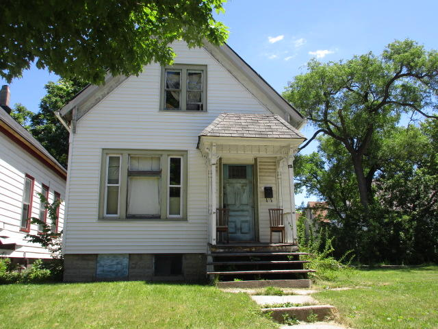 2816 10th St, Milwaukee, Wisconsin 53206, 2 Bedrooms Bedrooms, 6 Rooms Rooms,1 BathroomBathrooms,Single-Family,For Sale,10th St,1676948