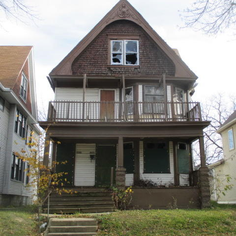 2458 38th St, Milwaukee, Wisconsin 53210, 2 Bedrooms Bedrooms, 6 Rooms Rooms,1 BathroomBathrooms,Two-Family,For Sale,38th St,1,1676997