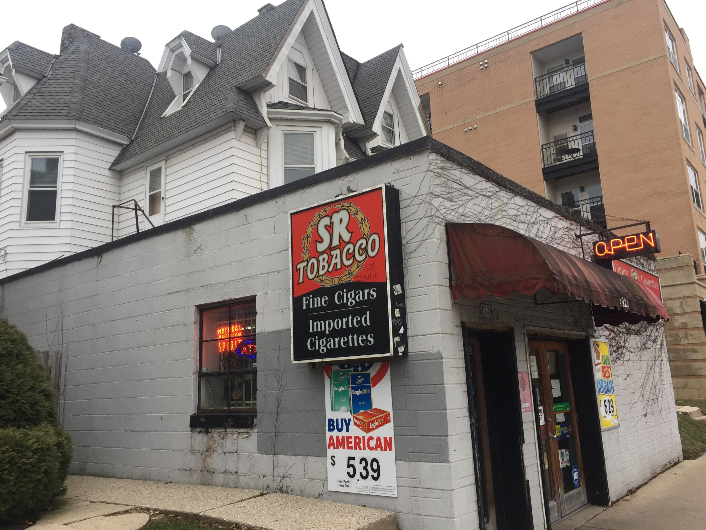 1926 Farwell Ave, Milwaukee, Wisconsin 53202, ,Multi-Family Investment,For Sale,Farwell Ave,1677018