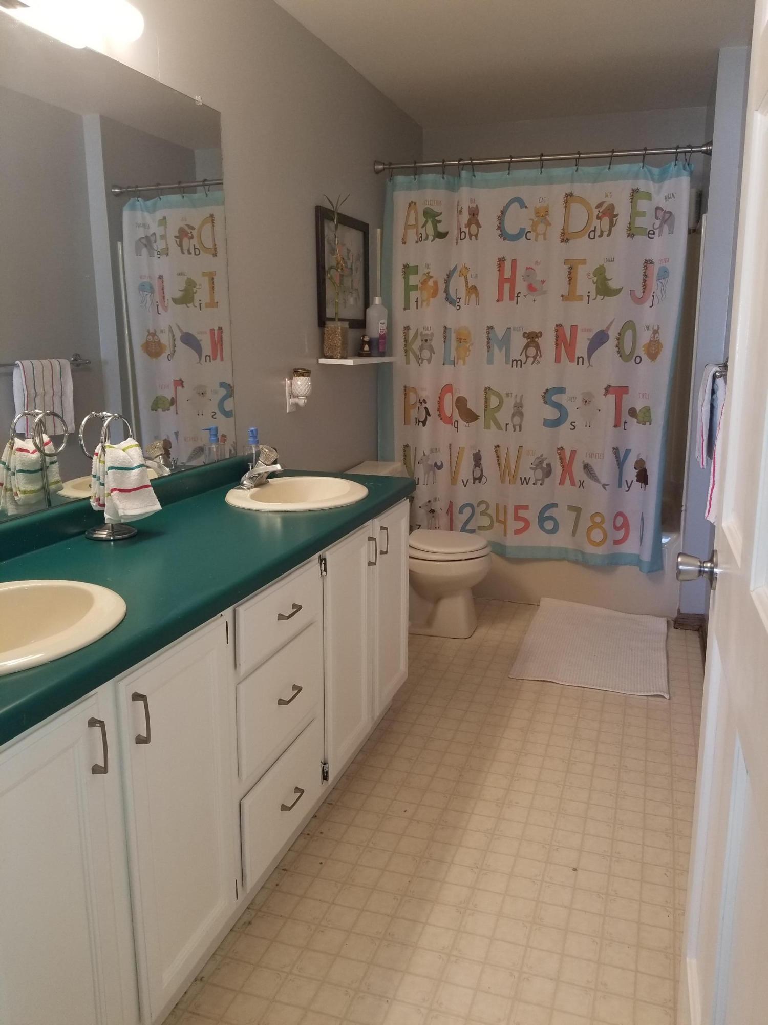 3905 Jacob Court, Mount Pleasant, Wisconsin 53403, 4 Bedrooms Bedrooms, 9 Rooms Rooms,3 BathroomsBathrooms,Single-Family,For Sale,Jacob Court,1677024