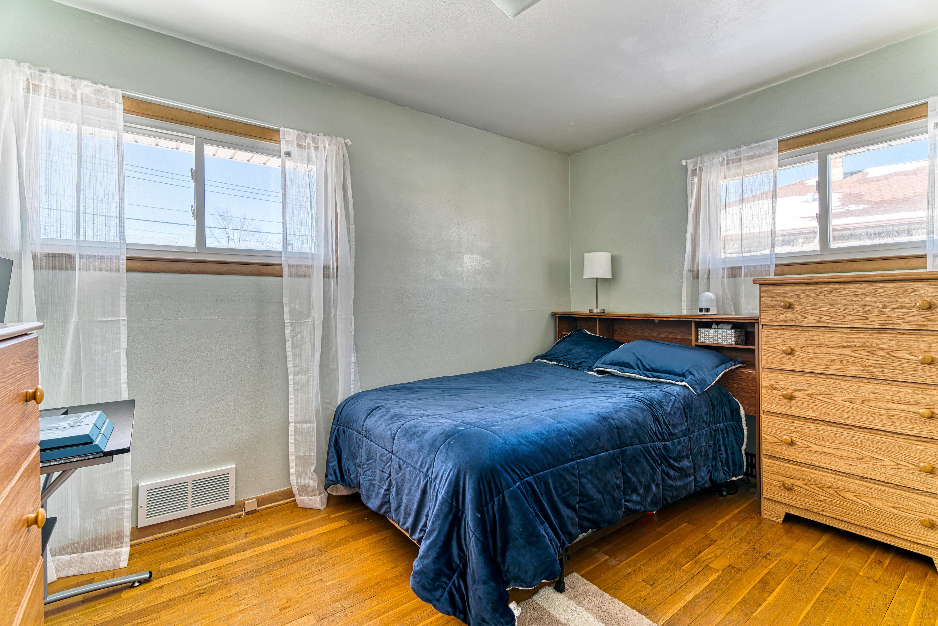 6465 18TH St, Milwaukee, Wisconsin 53221, 3 Bedrooms Bedrooms, 7 Rooms Rooms,1 BathroomBathrooms,Single-Family,For Sale,18TH St,1677027