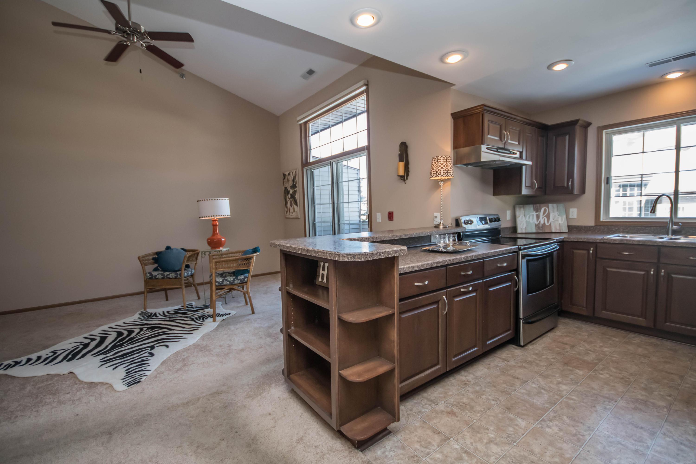 2051 102nd Street, West Allis, Wisconsin 53227, 2 Bedrooms Bedrooms, 5 Rooms Rooms,2 BathroomsBathrooms,Condominiums,For Sale,102nd Street,2,1677026