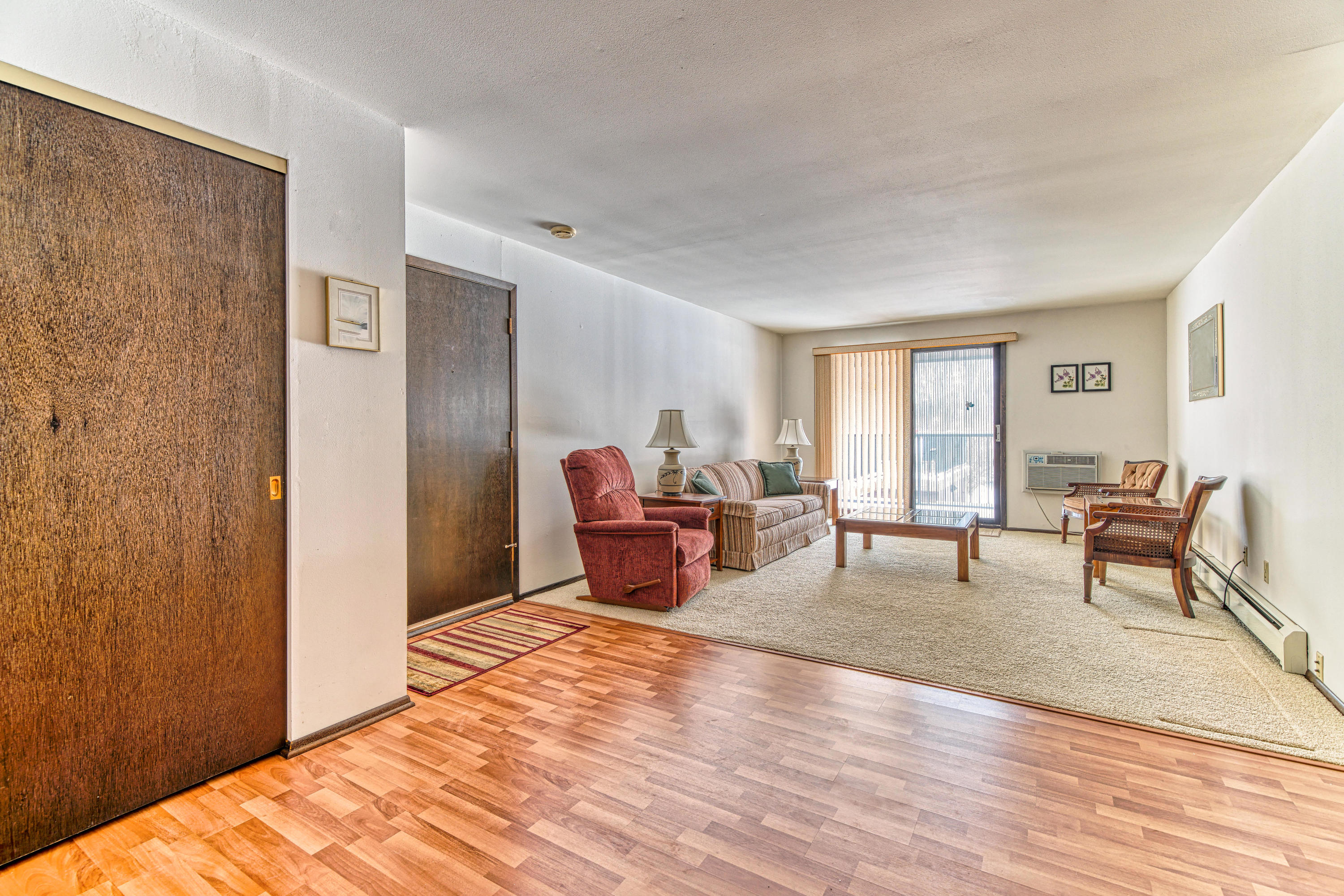 8520 Waterford Ave, Greenfield, Wisconsin 53228, 1 Bedroom Bedrooms, 3 Rooms Rooms,1 BathroomBathrooms,Condominiums,For Sale,Waterford Ave,1,1677029