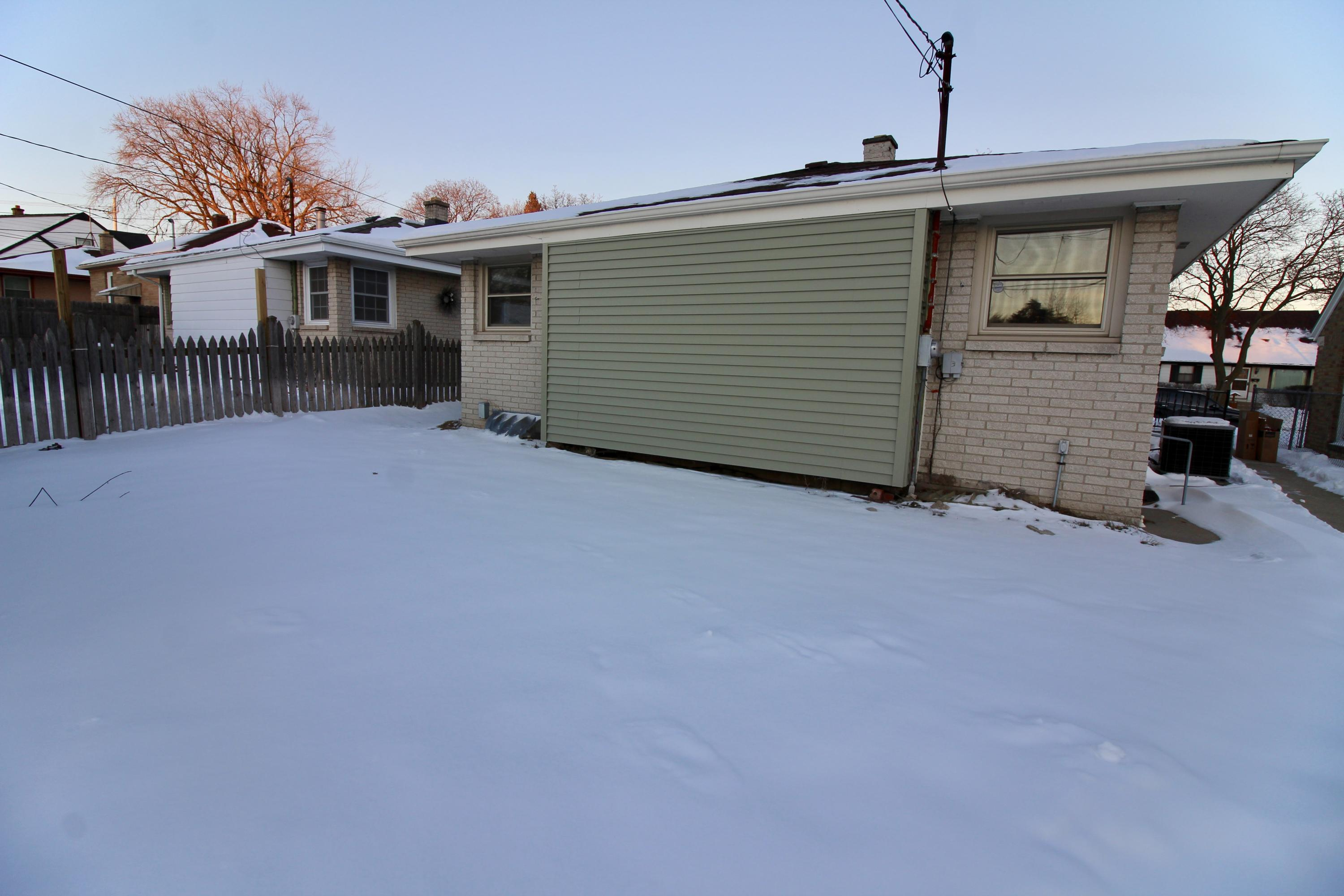 4725 80th St, Milwaukee, Wisconsin 53218, 3 Bedrooms Bedrooms, ,1 BathroomBathrooms,Single-Family,For Sale,80th St,1677031