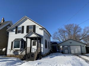 1820 Sherman St, Marinette, WI 54143