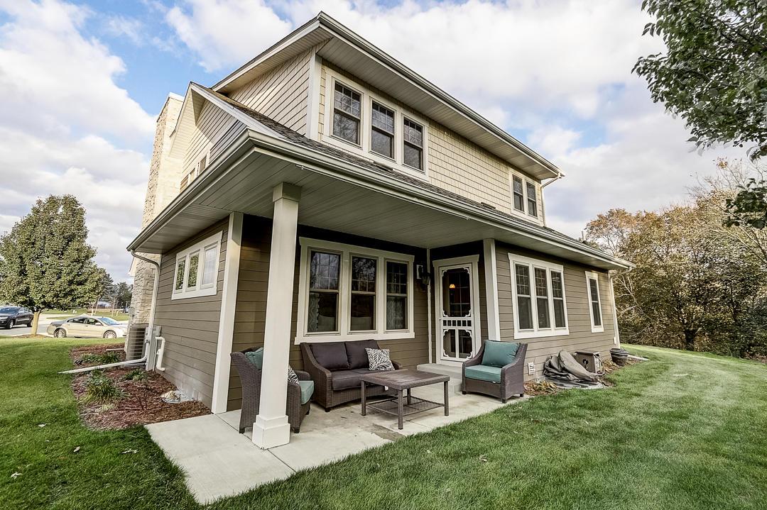 2516 Bennett Cove, Waukesha, Wisconsin 53189, 3 Bedrooms Bedrooms, 10 Rooms Rooms,3 BathroomsBathrooms,Single-Family,For Sale,Bennett Cove,1678452