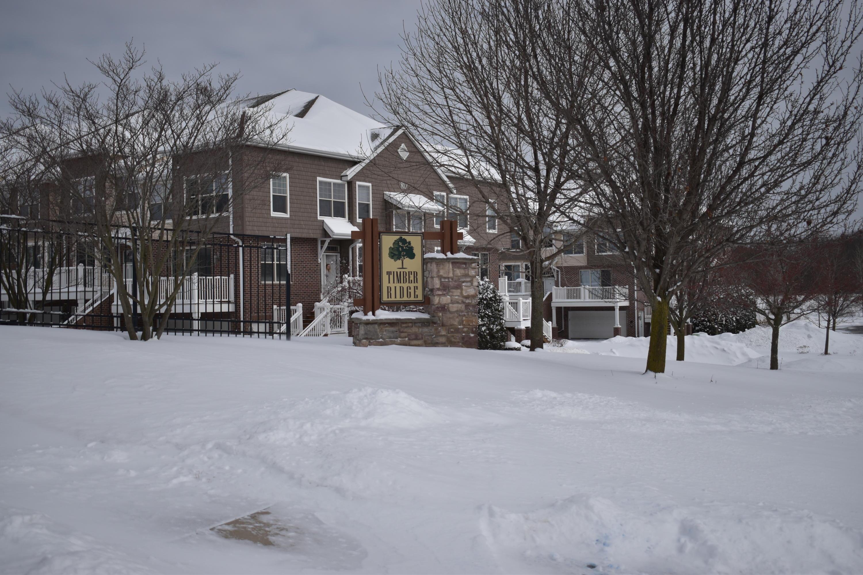 808 Timber Ridge Ct, Waukesha, Wisconsin 53189, 2 Bedrooms Bedrooms, 5 Rooms Rooms,2 BathroomsBathrooms,Condominiums,For Sale,Timber Ridge Ct,1,1679557