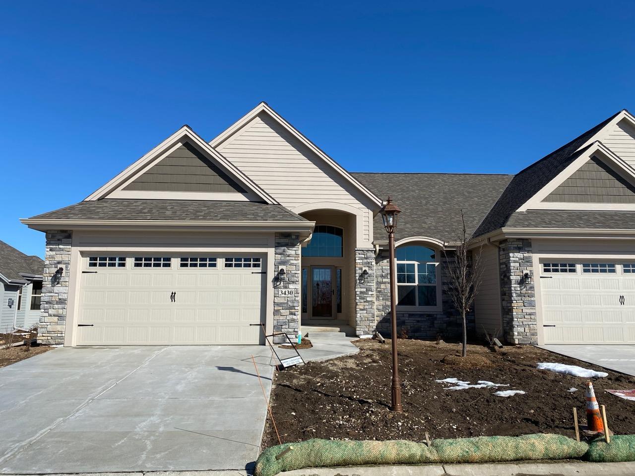 3430 Walnut Trl, Waukesha, Wisconsin 53188, 2 Bedrooms Bedrooms, ,2 BathroomsBathrooms,Condominiums,For Sale,Walnut Trl,1,1679705