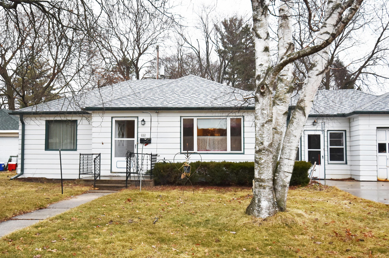Hartland, Wisconsin 53029, 2 Bedrooms Bedrooms, 5 Rooms Rooms,1 BathroomBathrooms,Single-Family,For Sale,1680516
