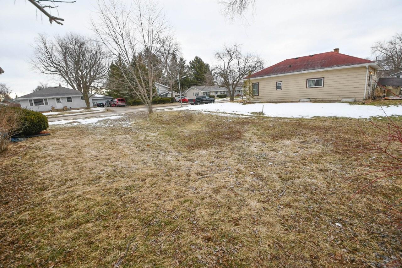 926 Roosevelt Ave, Oconomowoc, Wisconsin 53066, ,Vacant Land,For Sale,Roosevelt Ave,1680479