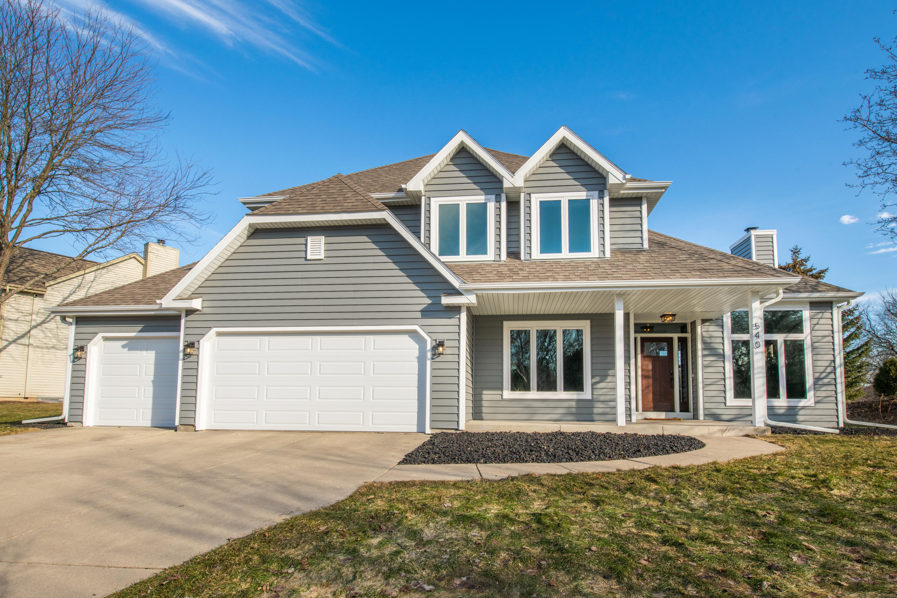 540 Rae Dr, Hartland, Wisconsin 53029, 3 Bedrooms Bedrooms, 8 Rooms Rooms,2 BathroomsBathrooms,Single-Family,For Sale,Rae Dr,1679374