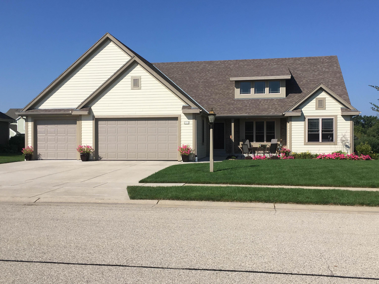 1288 Ridgeside Rd, Oconomowoc, Wisconsin 53066, 4 Bedrooms Bedrooms, 10 Rooms Rooms,3 BathroomsBathrooms,Single-Family,For Sale,Ridgeside Rd,1680940