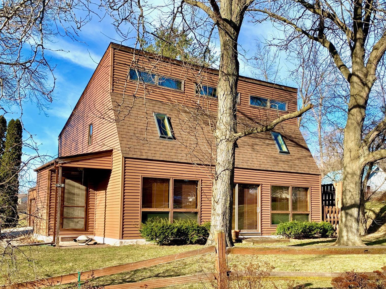 1548 Oconomowoc Ave, Watertown, Wisconsin 53094, 3 Bedrooms Bedrooms, ,2 BathroomsBathrooms,Single-Family,For Sale,Oconomowoc Ave,1681457