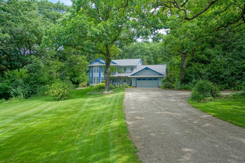 2409 Oakwood Rd, Delafield, Wisconsin 53029, 4 Bedrooms Bedrooms, 10 Rooms Rooms,3 BathroomsBathrooms,Single-Family,For Sale,Oakwood Rd,1681651