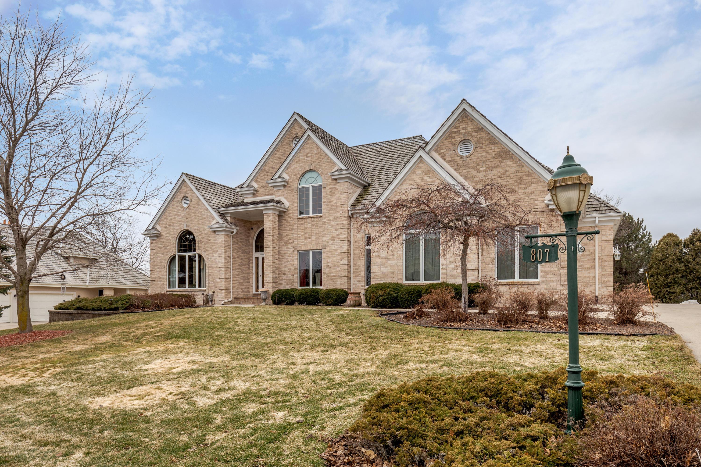 807 Evergreen Cir, Hartland, Wisconsin 53029, 4 Bedrooms Bedrooms, 14 Rooms Rooms,4 BathroomsBathrooms,Single-Family,For Sale,Evergreen Cir,1681925