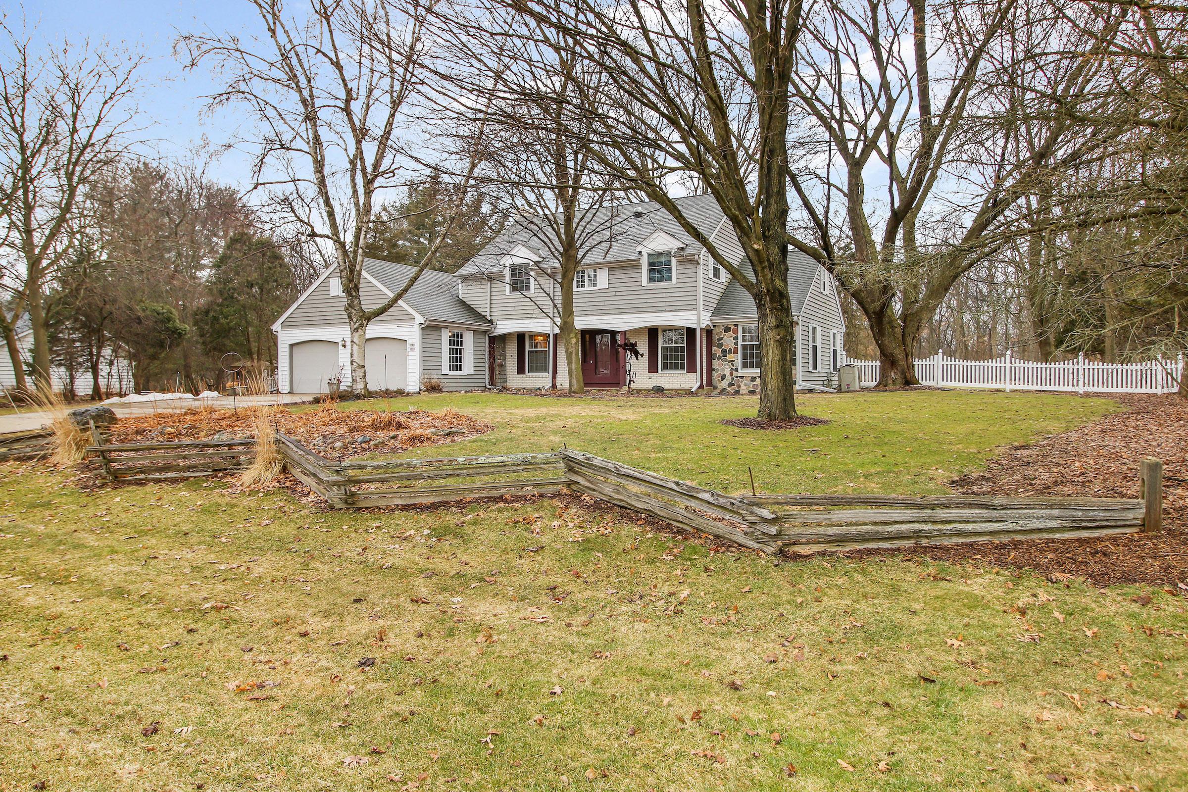 W319N785 Cobblestone Ct, Delafield, Wisconsin 53018, 4 Bedrooms Bedrooms, 9 Rooms Rooms,2 BathroomsBathrooms,Single-Family,For Sale,Cobblestone Ct,1680572