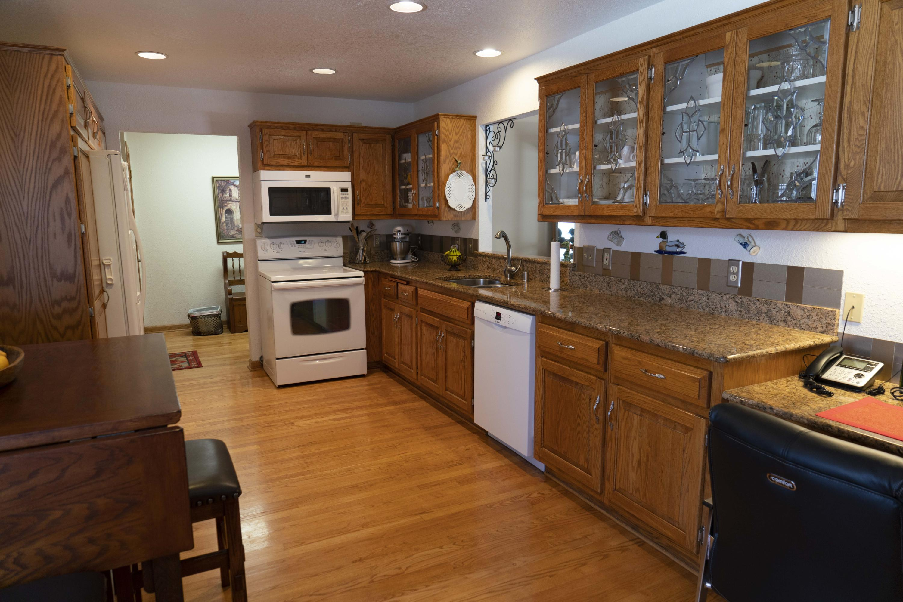 2607 Pebble Valley Rd, Waukesha, Wisconsin 53188, 2 Bedrooms Bedrooms, 7 Rooms Rooms,3 BathroomsBathrooms,Condominiums,For Sale,Pebble Valley Rd,1,1682281