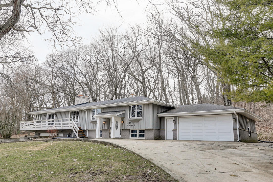 N43W27445 Capitol Dr, Pewaukee, Wisconsin 53072, 3 Bedrooms Bedrooms, 6 Rooms Rooms,3 BathroomsBathrooms,Single-Family,For Sale,Capitol Dr,1682755