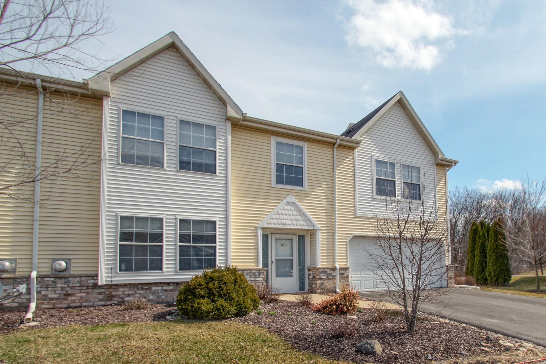 360 Terrace Dr W, Brookfield, Wisconsin 53045, 3 Bedrooms Bedrooms, ,2 BathroomsBathrooms,Condominiums,For Sale,Terrace Dr W,1,1682749