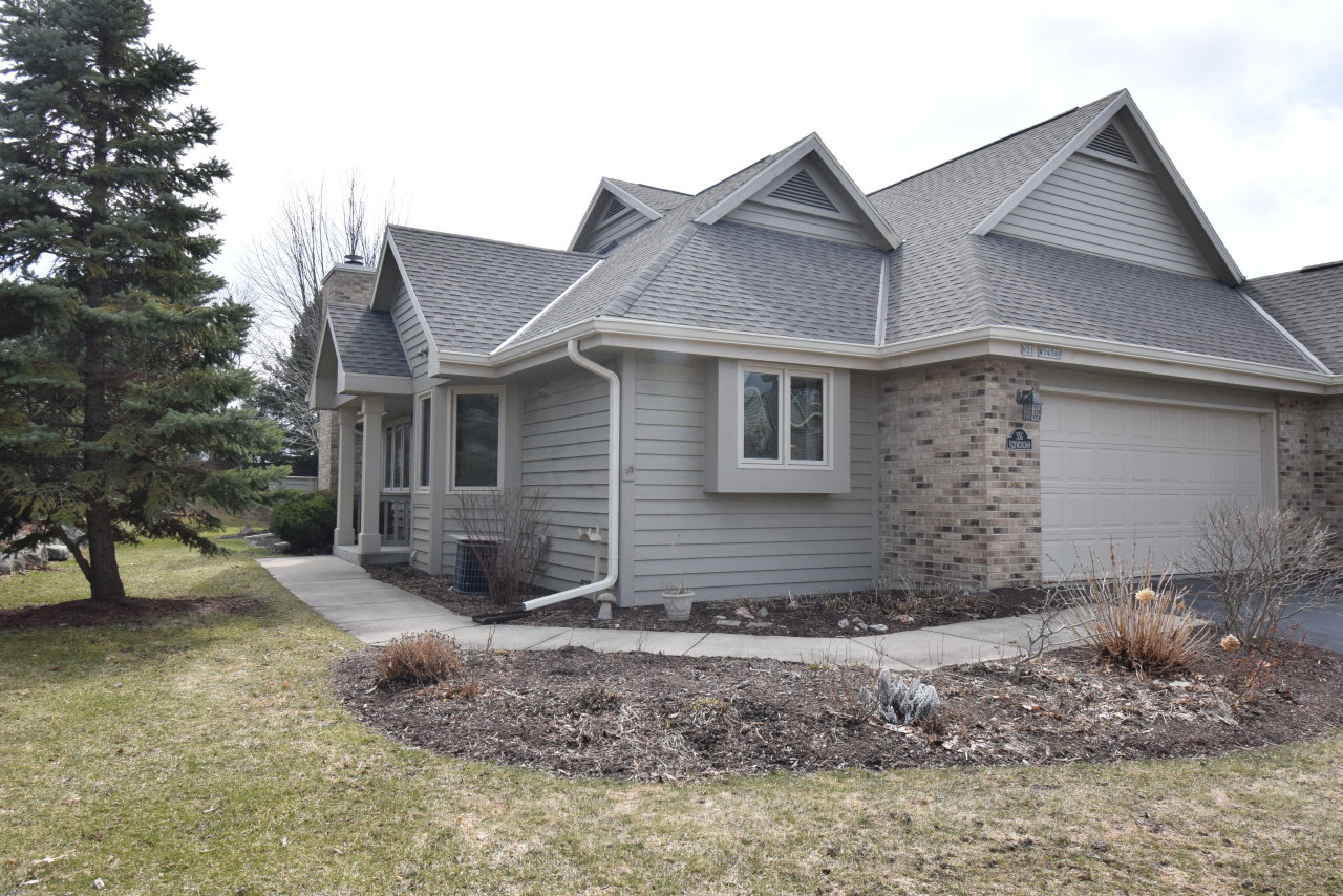 N21W24369 Cumberland Dr, Pewaukee, Wisconsin 53072, 2 Bedrooms Bedrooms, 4 Rooms Rooms,2 BathroomsBathrooms,Condominiums,For Sale,Cumberland Dr,1,1682466