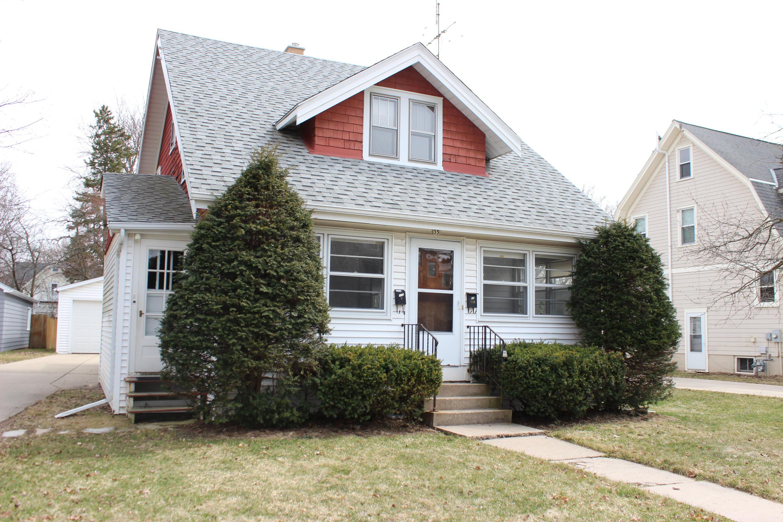 35 Park St, Oconomowoc, Wisconsin 53066, 3 Bedrooms Bedrooms, 10 Rooms Rooms,2 BathroomsBathrooms,Single-Family,For Sale,Park St,1683395