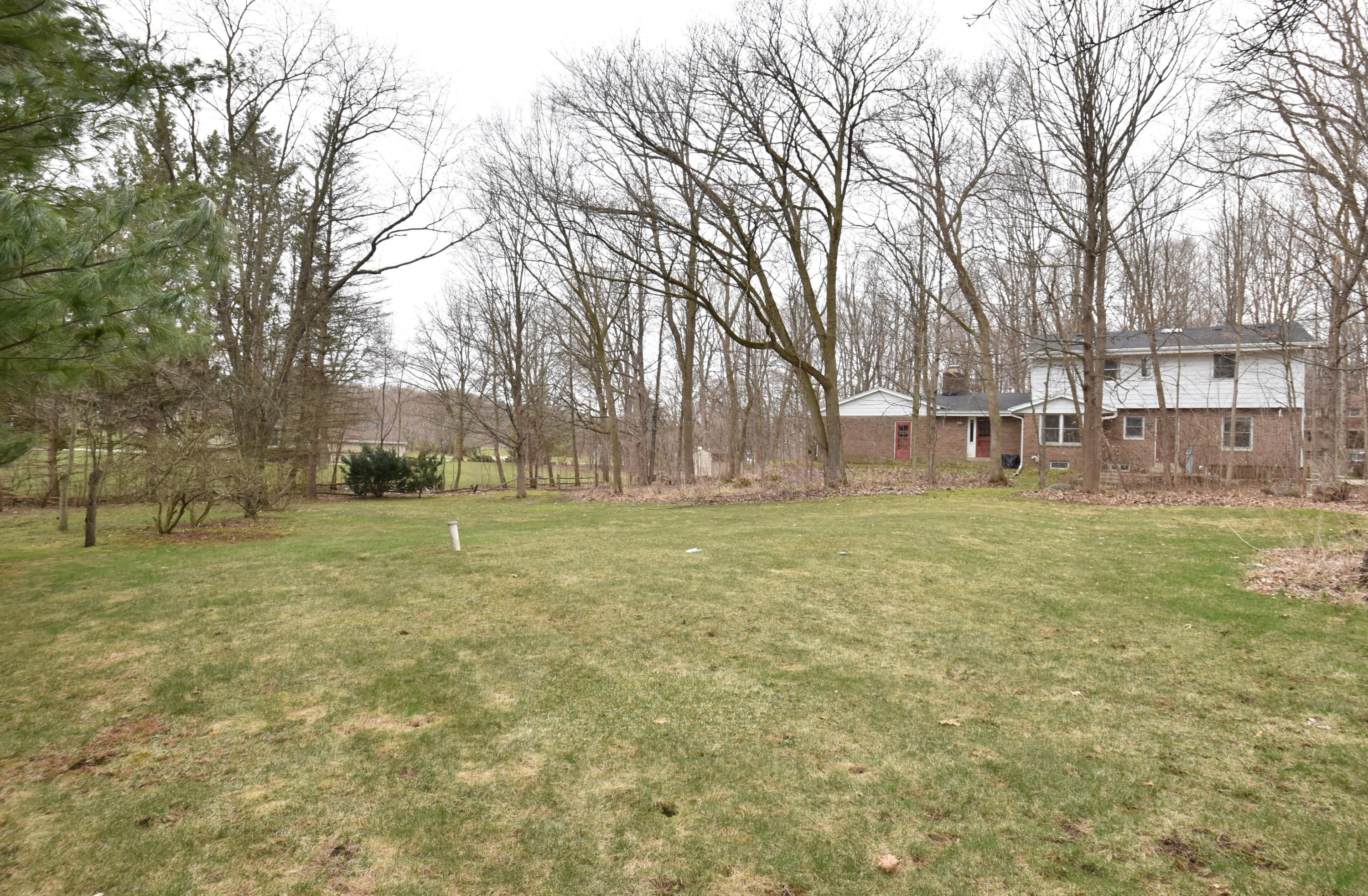W2365404 Maple Hill Ct, Waukesha, Wisconsin 53189, 4 Bedrooms Bedrooms, 8 Rooms Rooms,1 BathroomBathrooms,Single-Family,For Sale,Maple Hill Ct,1683278