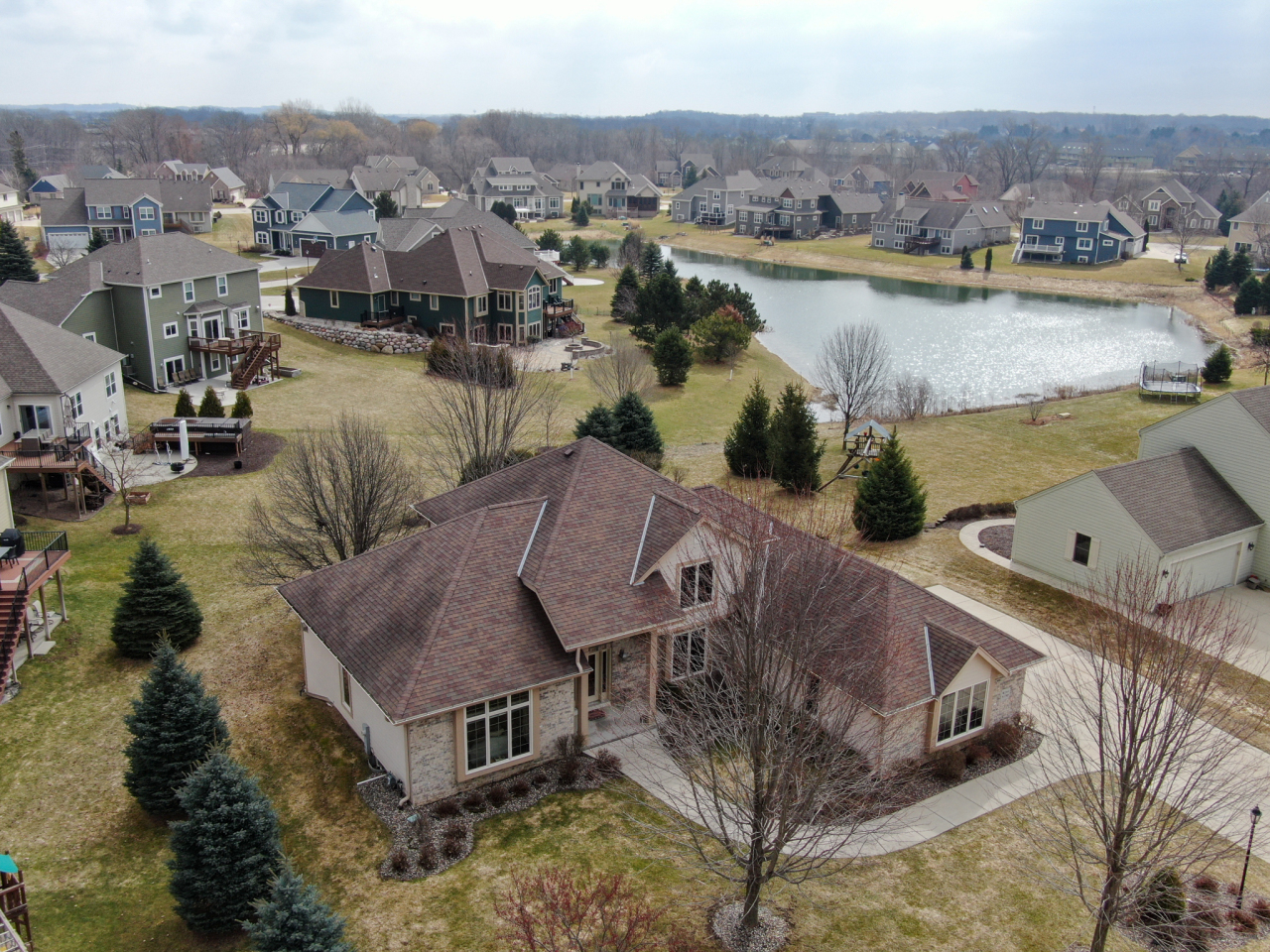 W244N2780 Single Tree Dr, Pewaukee, Wisconsin 53072, 3 Bedrooms Bedrooms, 11 Rooms Rooms,3 BathroomsBathrooms,Single-Family,For Sale,Single Tree Dr,1682390