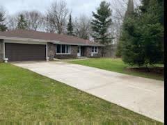 S10W31385 Irwin Ct, Delafield, Wisconsin 53183, 2 Bedrooms Bedrooms, ,2 BathroomsBathrooms,Single-Family,For Sale,Irwin Ct,1683407